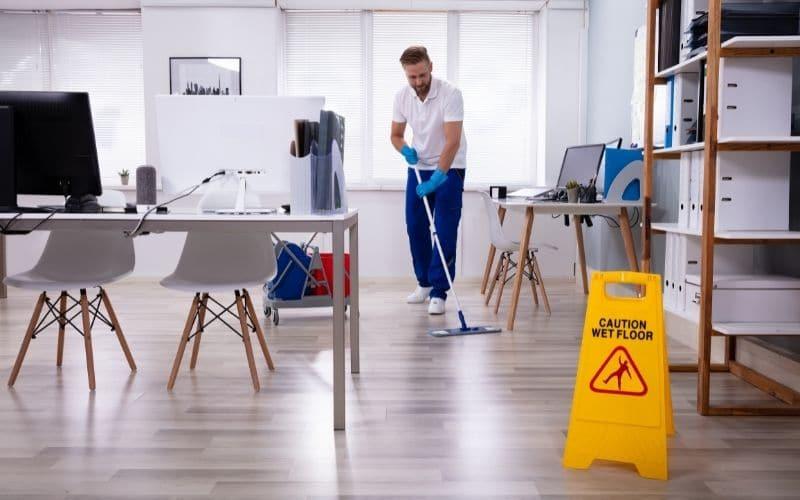 come pulire un ufficio in modo efficace